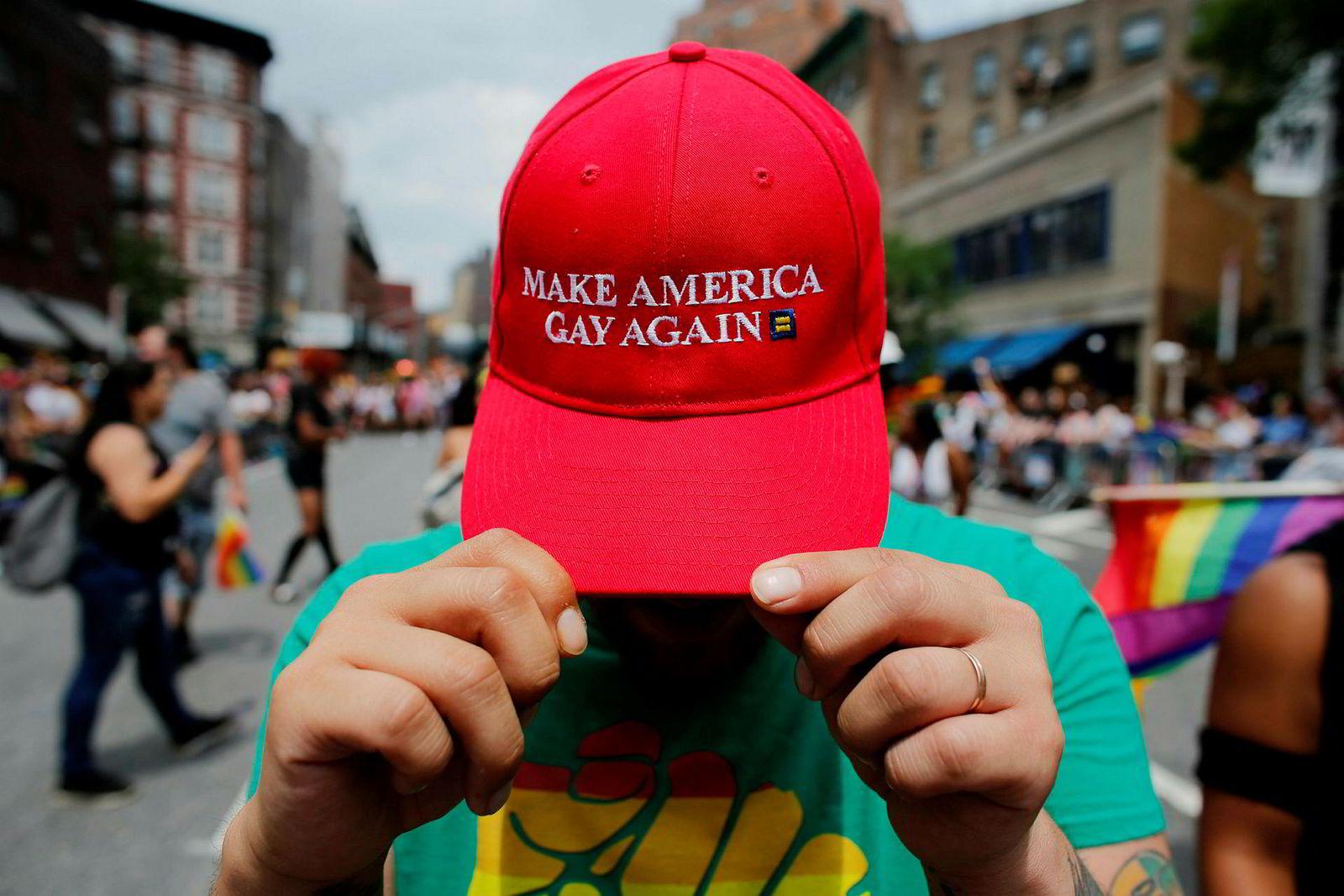 USAs president Donald Trumps valgkampslagord ble gjenstand for ordspill da New York holdt sin årlige parade forrige helg.