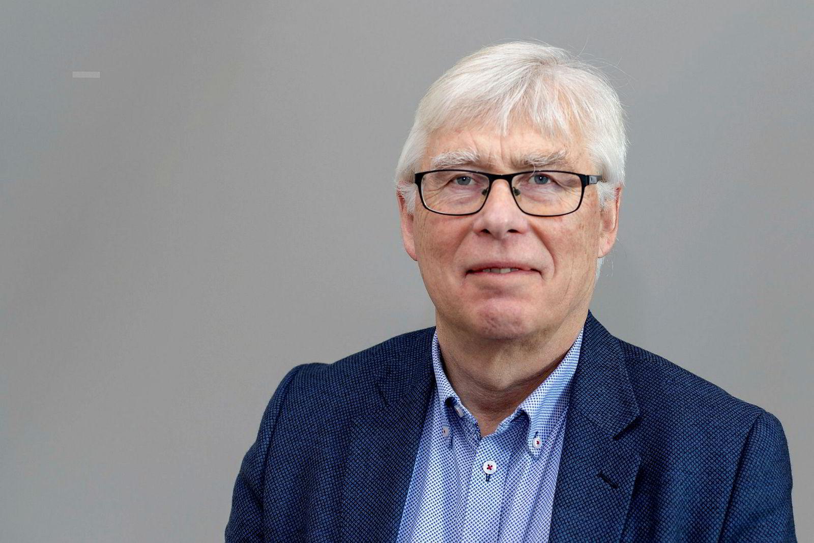 Øyvind Lie, direktør ved kyst- og havbruksavdelingen i Fiskeridirektoratet, anslår at antallet laks som har rømt i år vil passere 300.000.