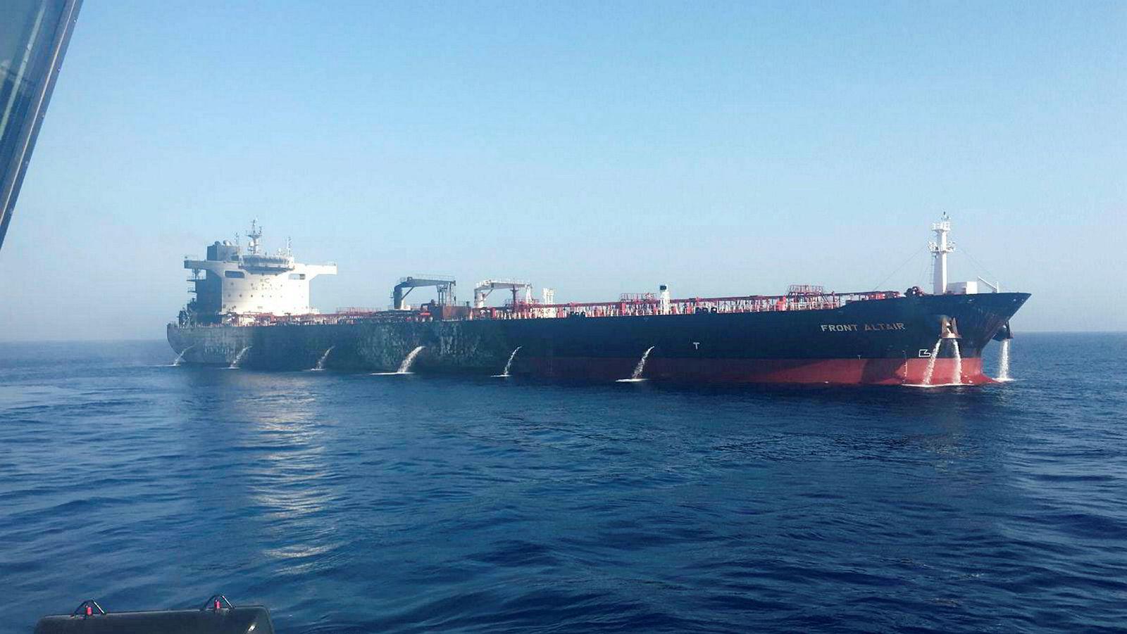 Her er brannen ombord det Frontline-eide tankskipet slukket.
