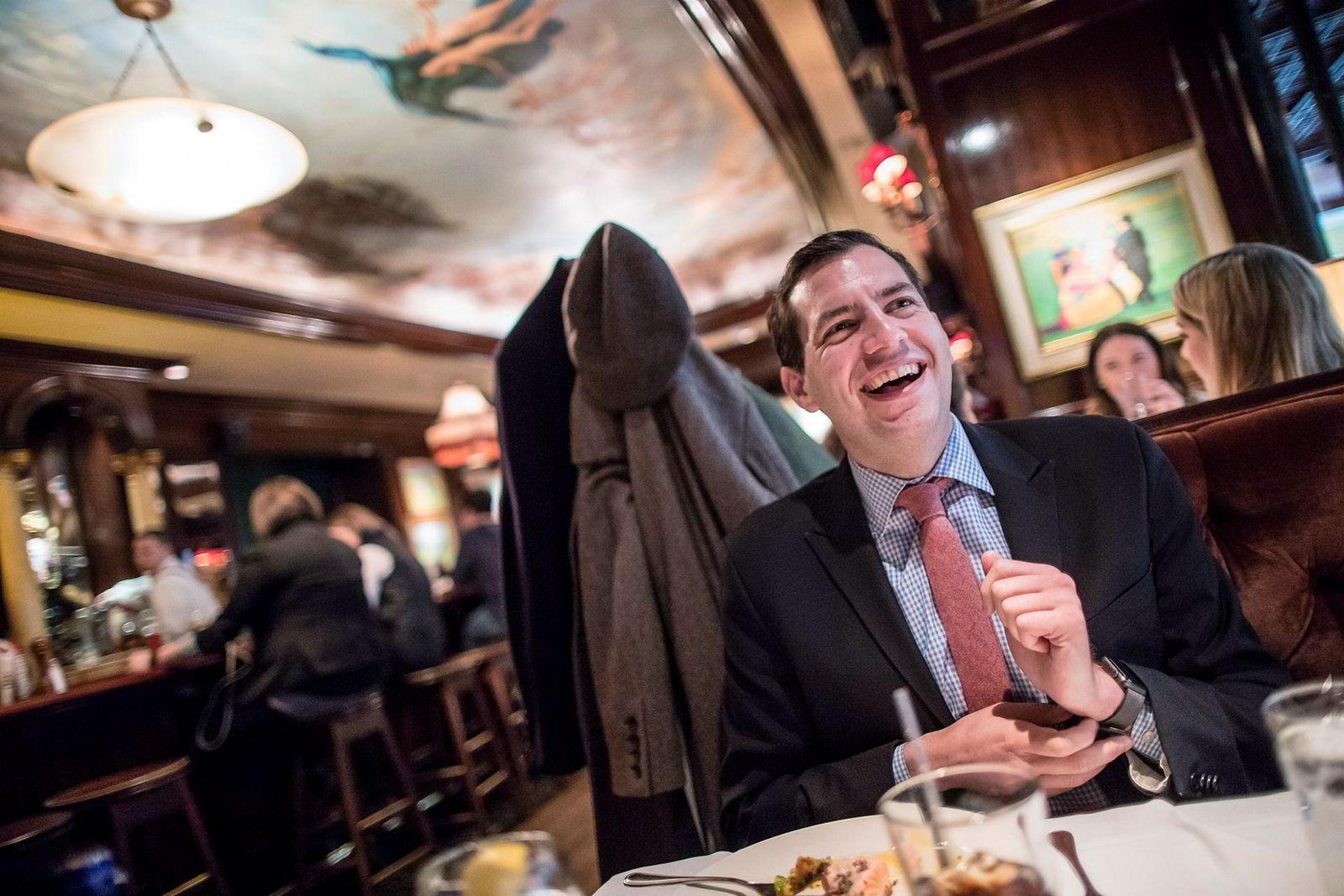 På The Old Ebbit Grill, den tradisjonsrike restauranten rett over veien fra Det hvite hus, har tidene også forandret seg med Trump. Flere shots, mindre hipster-øl. Zeke Miller møtte DN til alkoholfri lunsj.