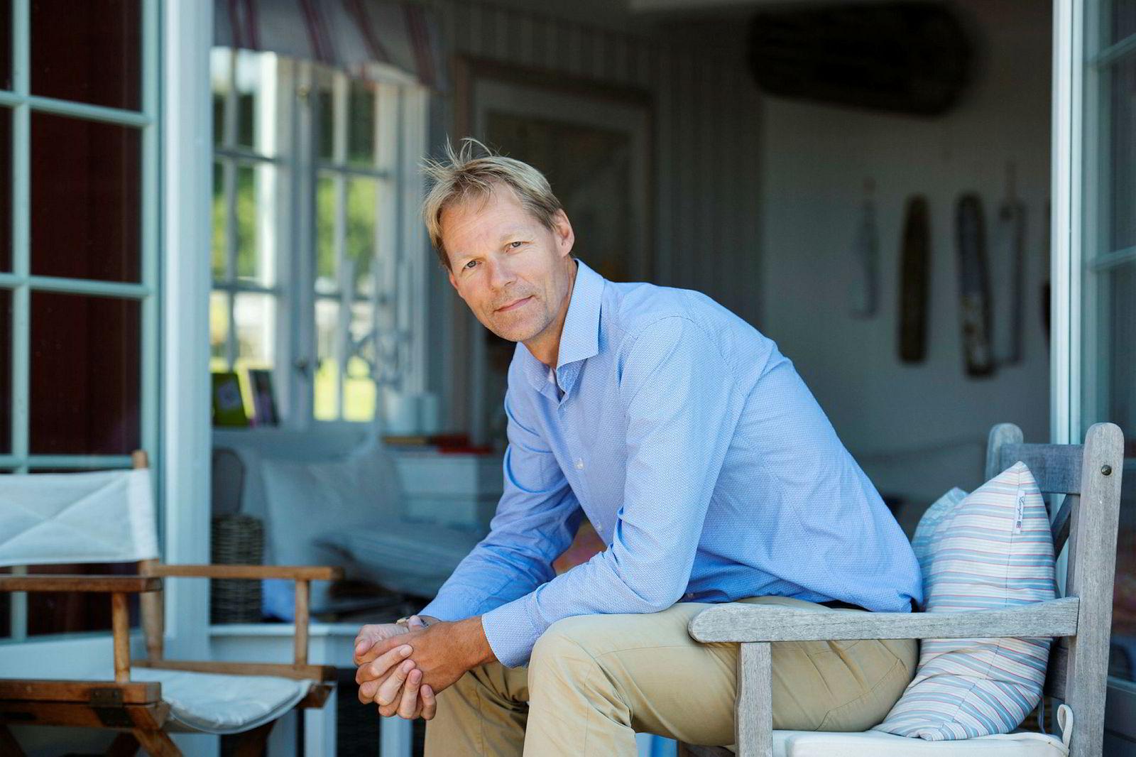 Kurt Mosvold skal eie 45 prosent av aksjene i selskapet som kjøper Utsikten Hotel fra Kvinesdal Sparebank.