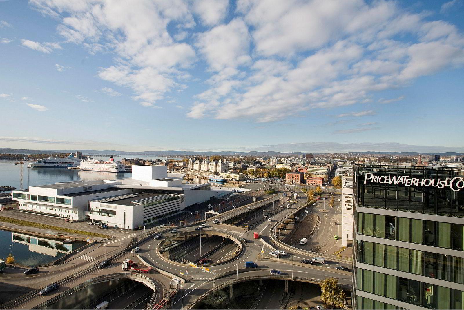 Bispelokket i Bjørvika ble bestemt revet for å fjerne mye av trafikken i området. Rivingen startet i november 2011.