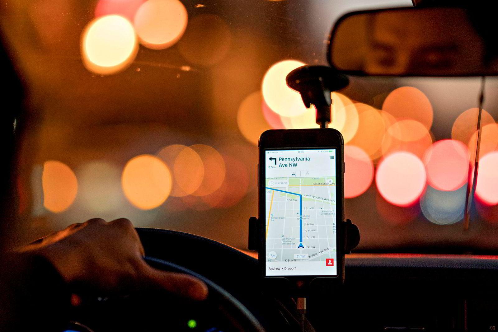 Amerikanske Uber har skapt trøbbel for den tradisjonelle taxinæringen verden over. I Norge stoppet selskapet sin Pop-tjeneste høsten 2017, etter store kontroverser.