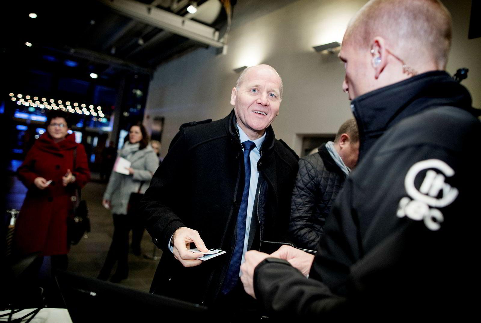 Telenors Sigve Brekke ankom NHOs årskonferanse i Oslo Spektrum tirsdag morgen.