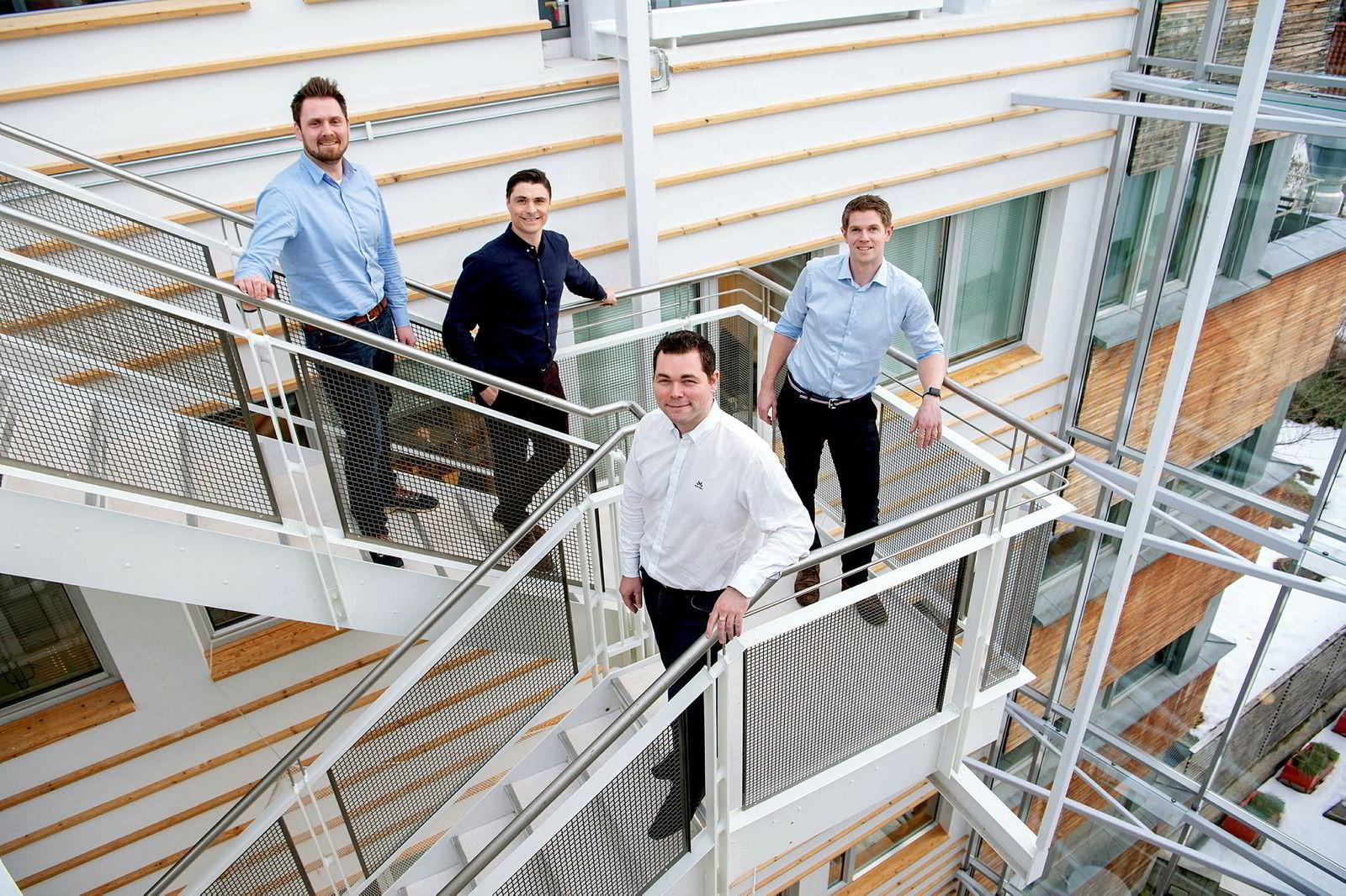 Ardoq: Erik Bakstad, teknologisjef (tv), Kristian Øvsthus, Idekapital, partner, Magnus Valmot, administrerende direktør og Magnulf Pilskog, gründer og innovasjonssjef.