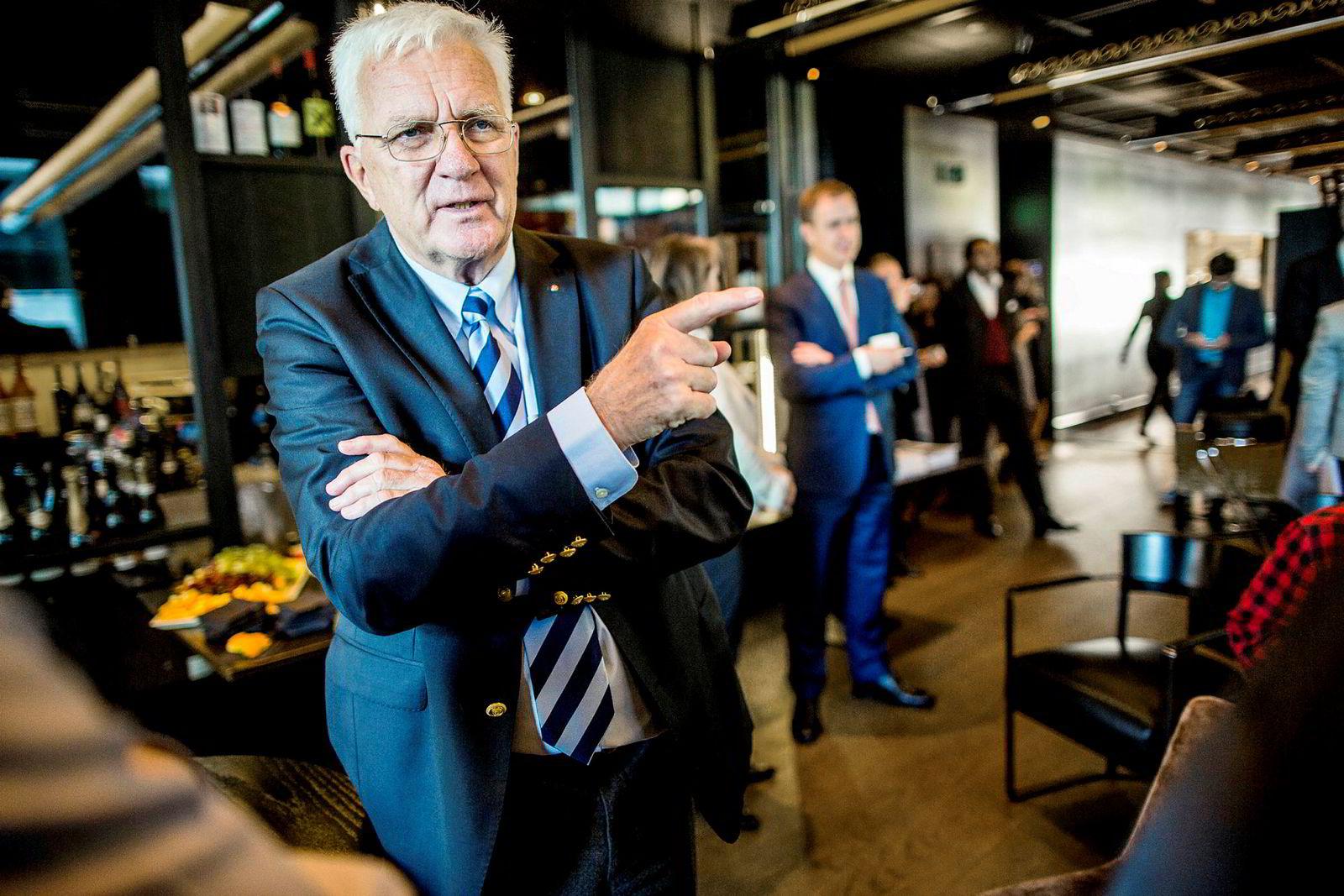 Finansavisen-redaktør Trygve Hegnar ønsker ikke å kommentere PFU-klagen mot avisen.