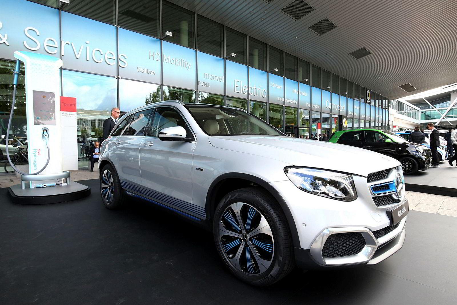 Den eneste hydrogen-modellen DN fant i Frankfurt var Mercedes-Benz GLC Fuel Cell som er en ladbar hydrogen-hybrid. Rekkevidden på strøm er 49 kilometer, mens hydrogen bringer den 437 kilometer lenger.