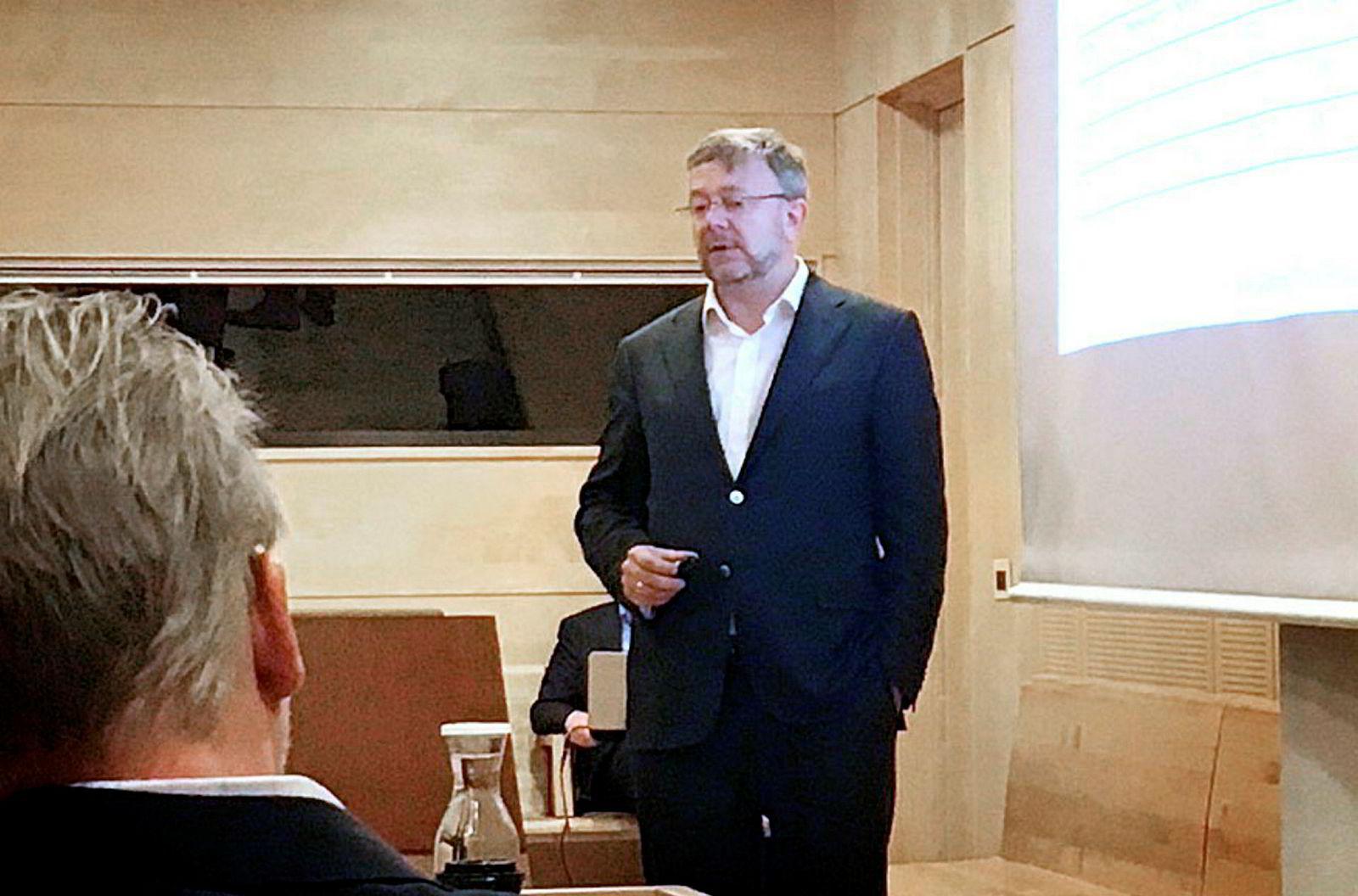 Tidligere direktør og forvalter i Alfred Berg forvaltning, nå forvalter i DNB, Ole Jakob Wold mener forvaltningen av fondet DNB Norge var suveren. I rettssaken mellom Forbrukerrådet og DNB. ---
