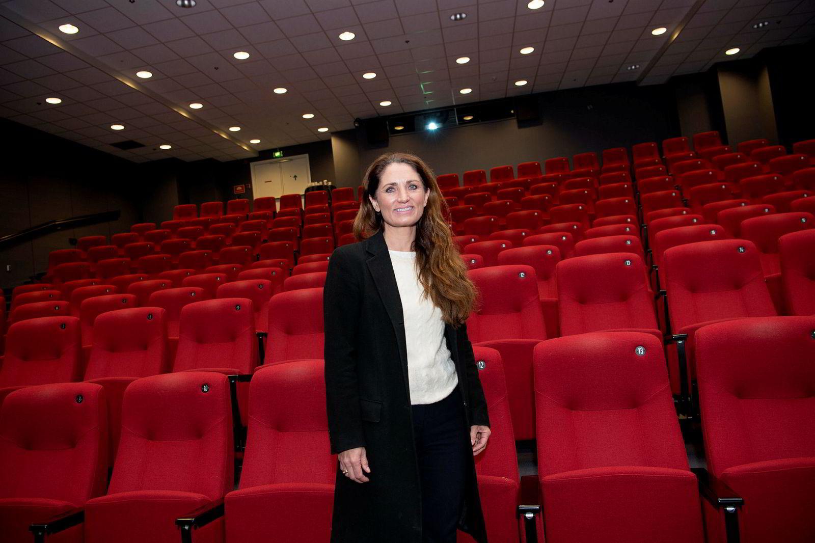 Tine Wollebekk skal overta sjefsjobben. Hun er bare innom på presentasjonen.