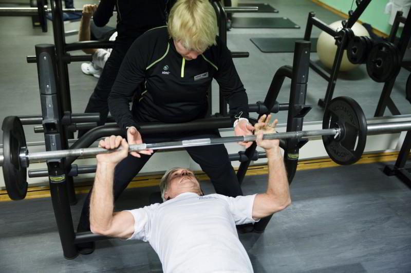 Investor Eivind Astrup (70) trener for å holde seg sterk og kunne gjøre det de han har lyst til.