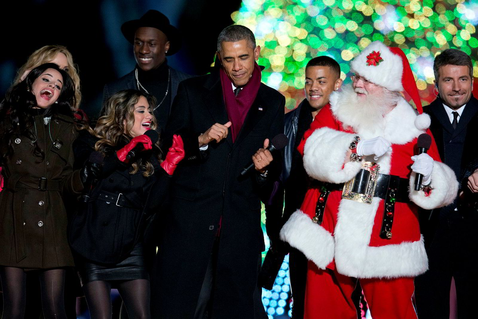 Under den årlige juletretenningen utenfor Det hvite hus I 2014 var Nico & Vinz de eneste ikke-amerikanske artistene som opptrådte for tidligere president Barack Obama og 20.000 fremmøtte publikummere.
