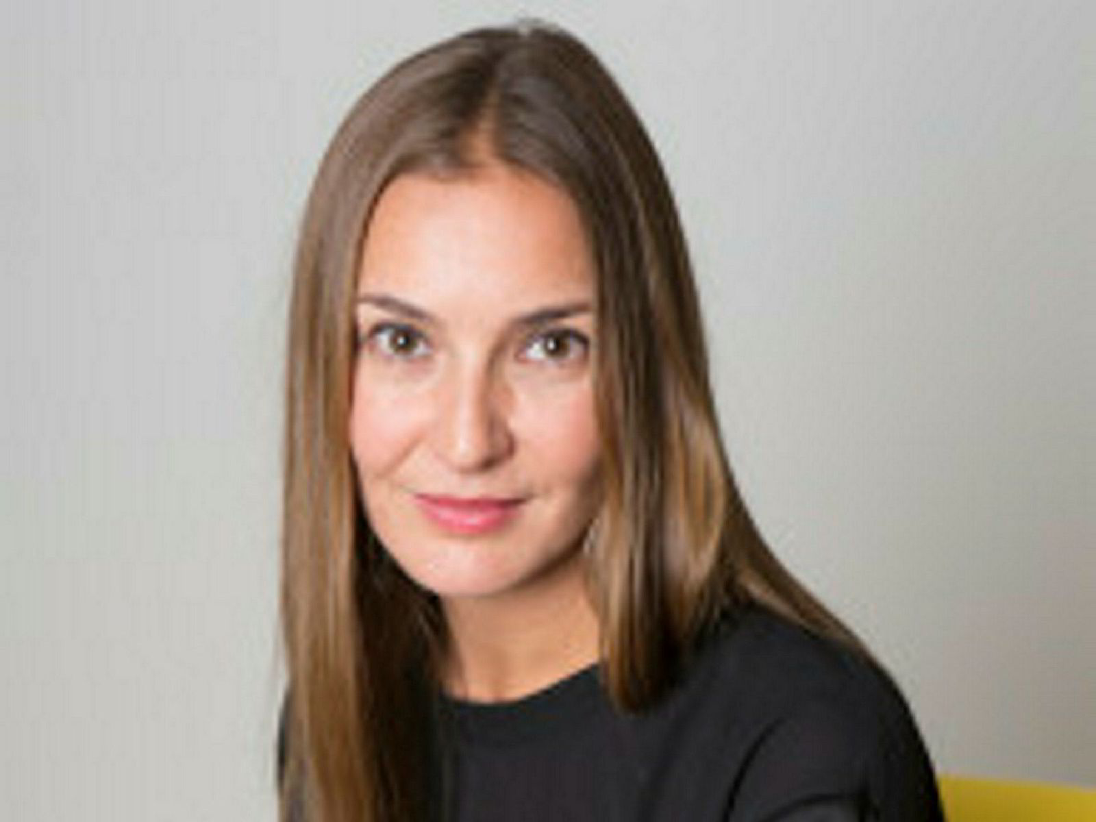 Line Vee Hanum er kommunikasjonsdirektør i Nent Group.