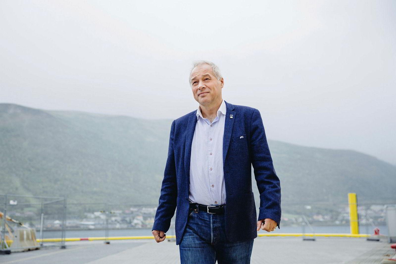 Frode Nilsen, administrerende direktør i LNS, er uenig med regjeringens planer for kullgruvene på Svalbard.