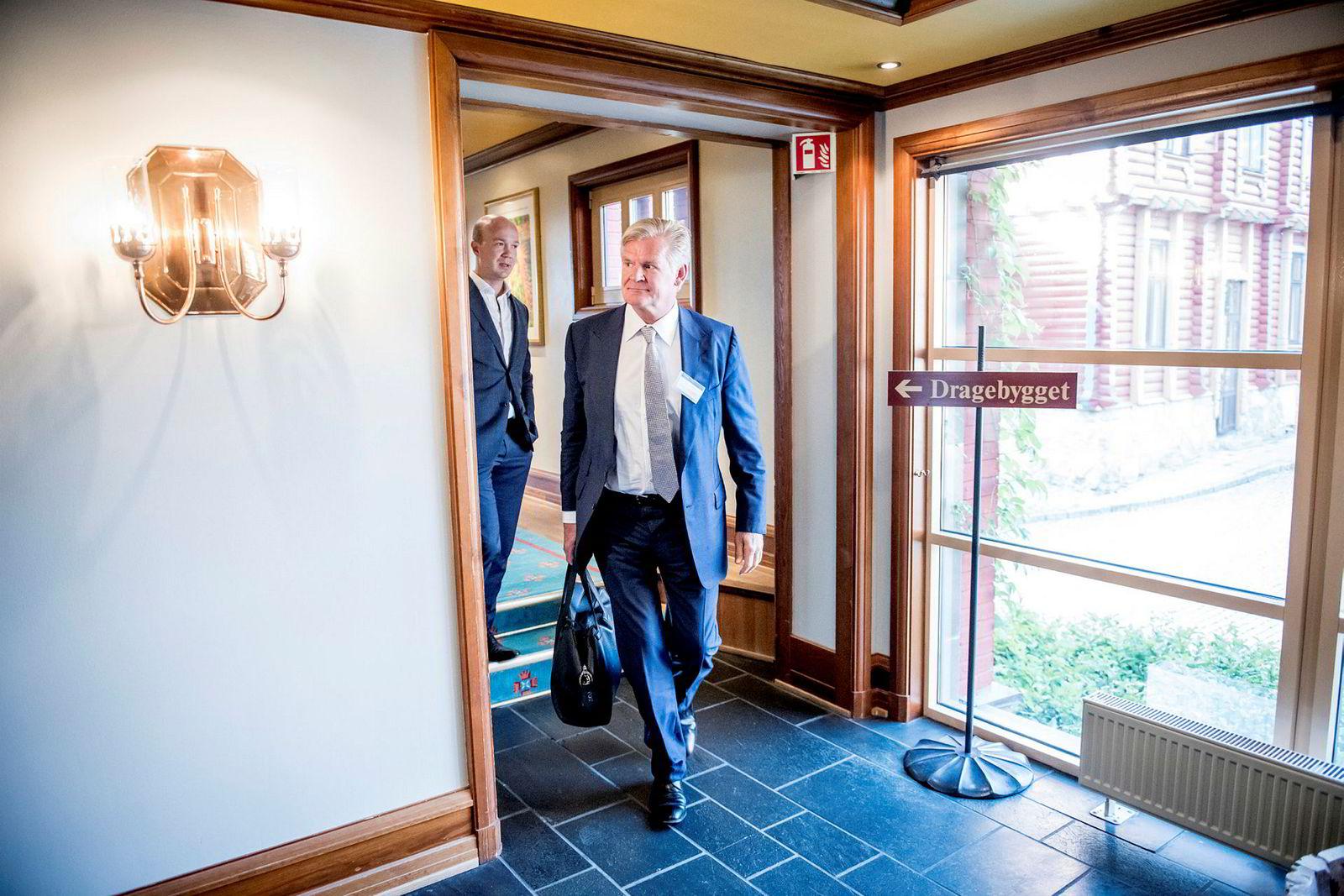 Håkon Reistad Fure har i flere år jobbet tett på investor Tor Olav Trøim. Her er de sammen på Pareto-konferansen.