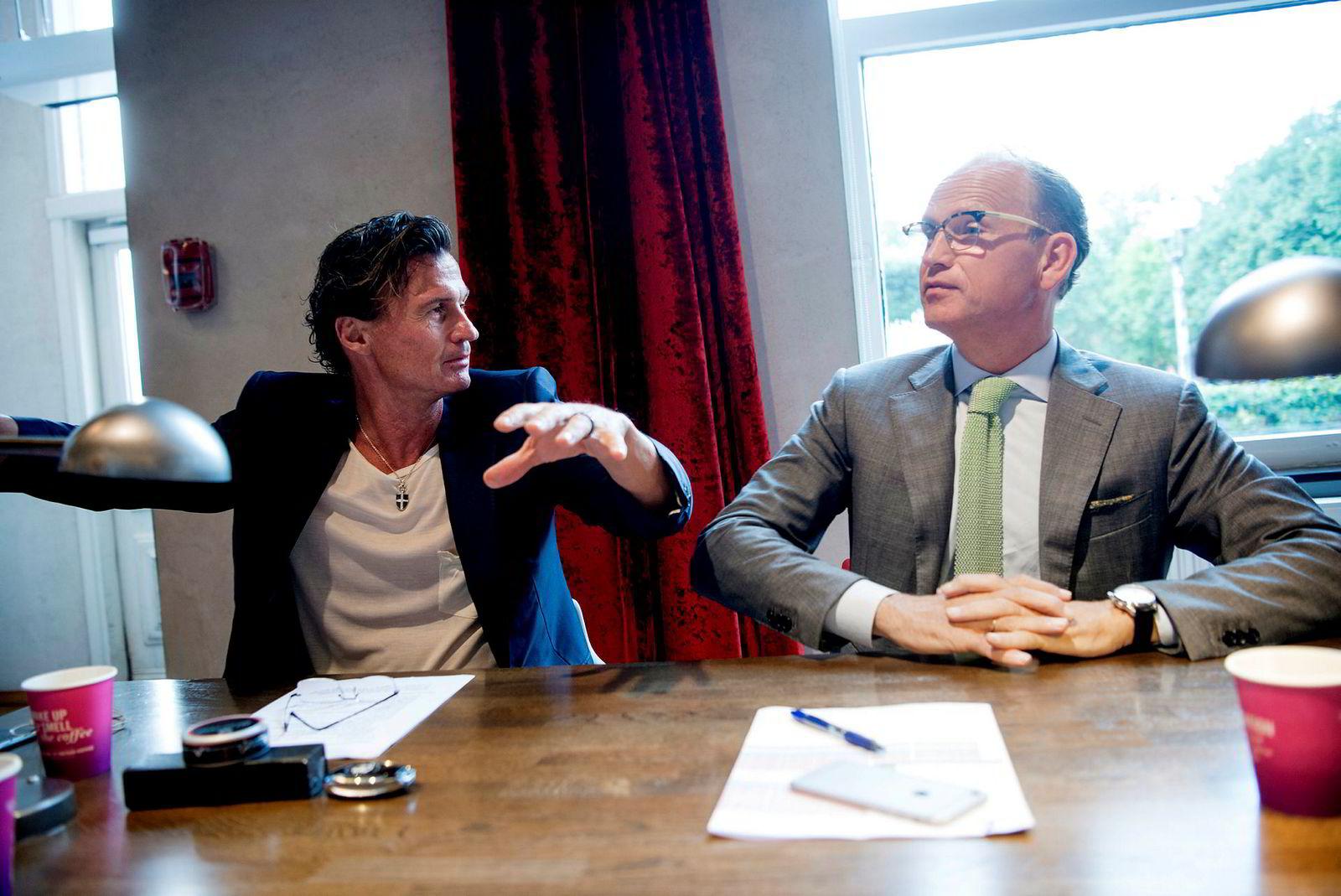 Petter A. Stordalens hotellkjede har tegnet pandemiforsikring med det danske forsikringsselskapet Codan, men har så langt ikke fått en krone. Her sammen med Nordic Choice Hotels-sjef, Torgeir Silseth.
