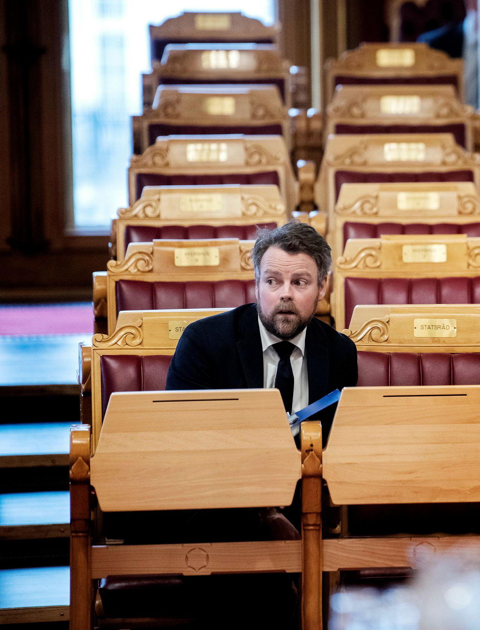 Næringsminister Torbjørn Røe Isaksen mener innholdet i Støres tale var «litt gammeldags».