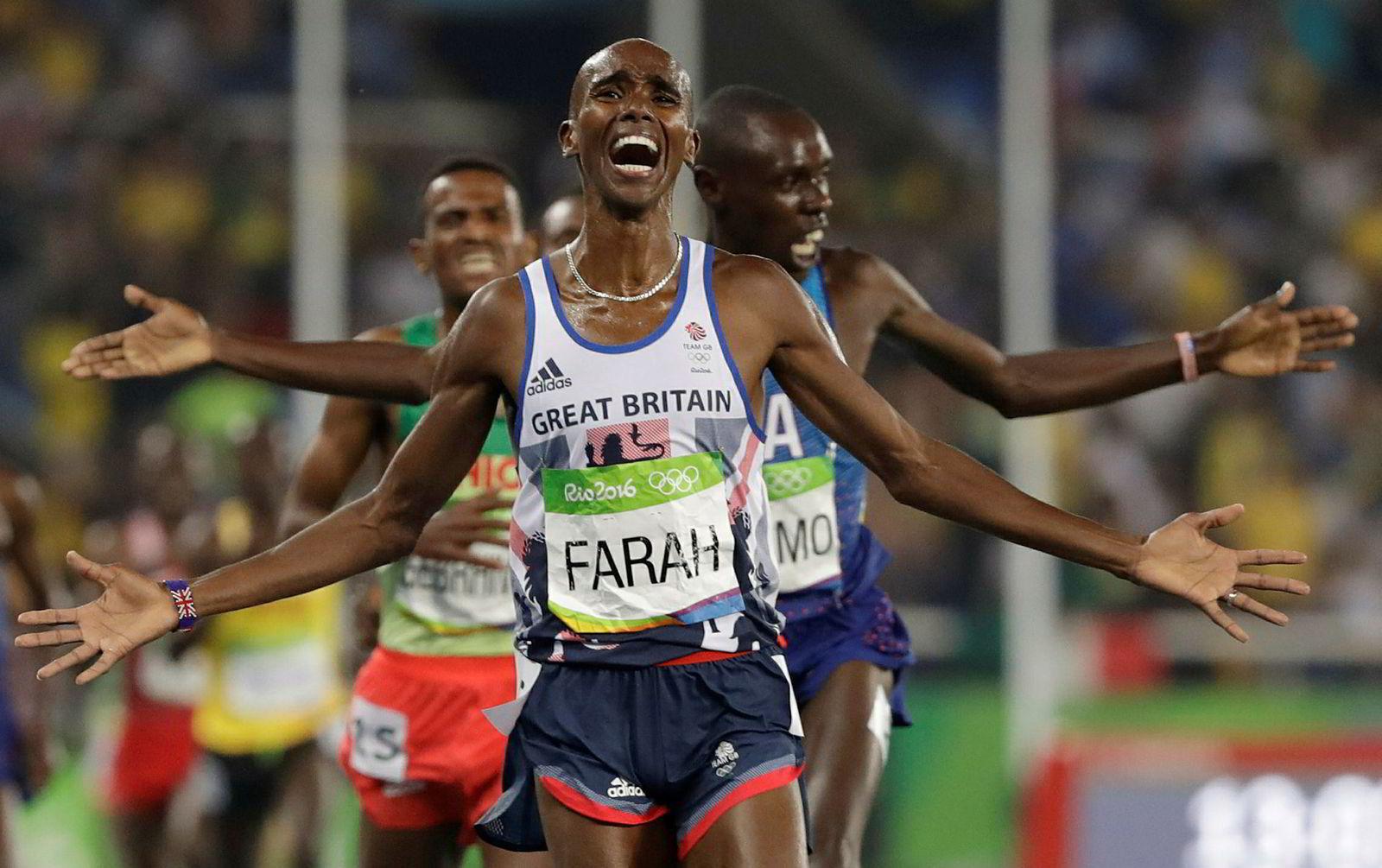 Mo Farah løper her inn til gull på 5000 meter under OL i Rio de Janeiro i 2016 og ble den andre i historien som vant både 5000 meter og 10.000 meter i to OL på rad. Den første var finske Lasse Viren i 1972 og 1976.