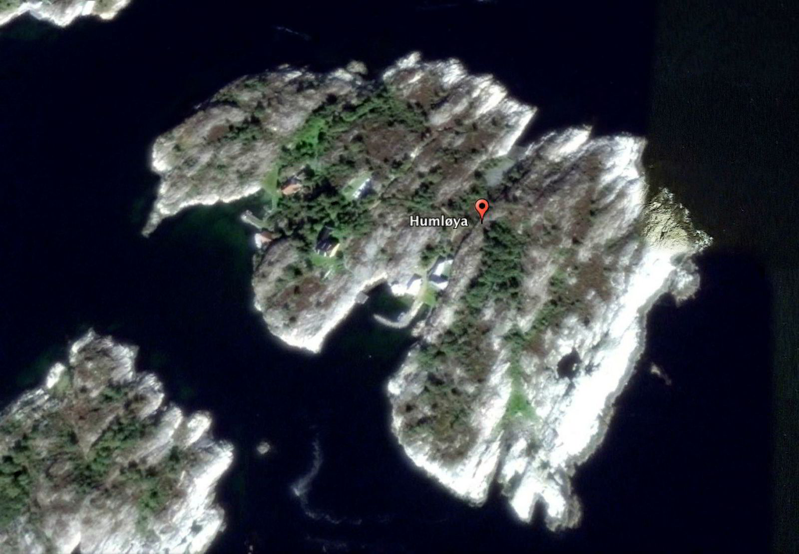 Eiendomsmegler Jan Olav Birkenes i DNB Eiendom Lillesand solgte nylig en eiendom på Humløya i Lillesand for 25,5 millioner, utenom det åpne markedet.