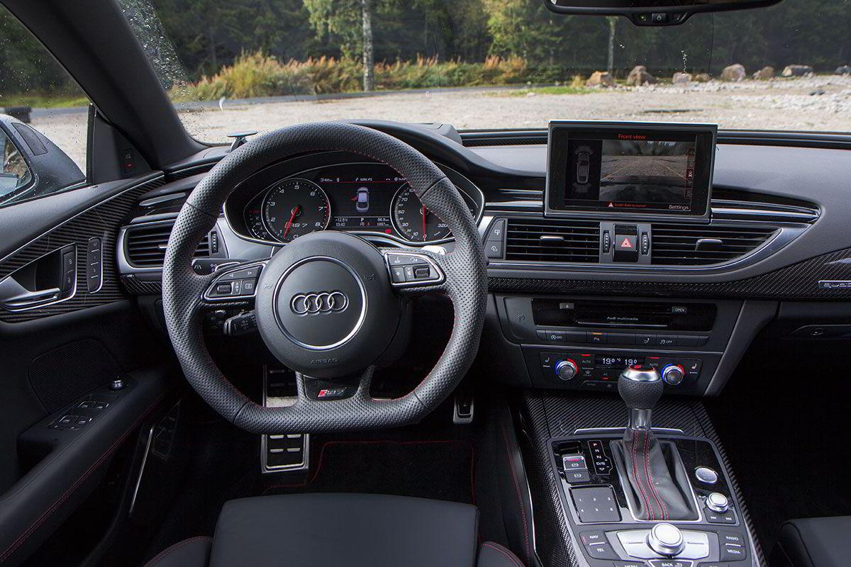 Det mangler ikke på mye i denne bilen.
