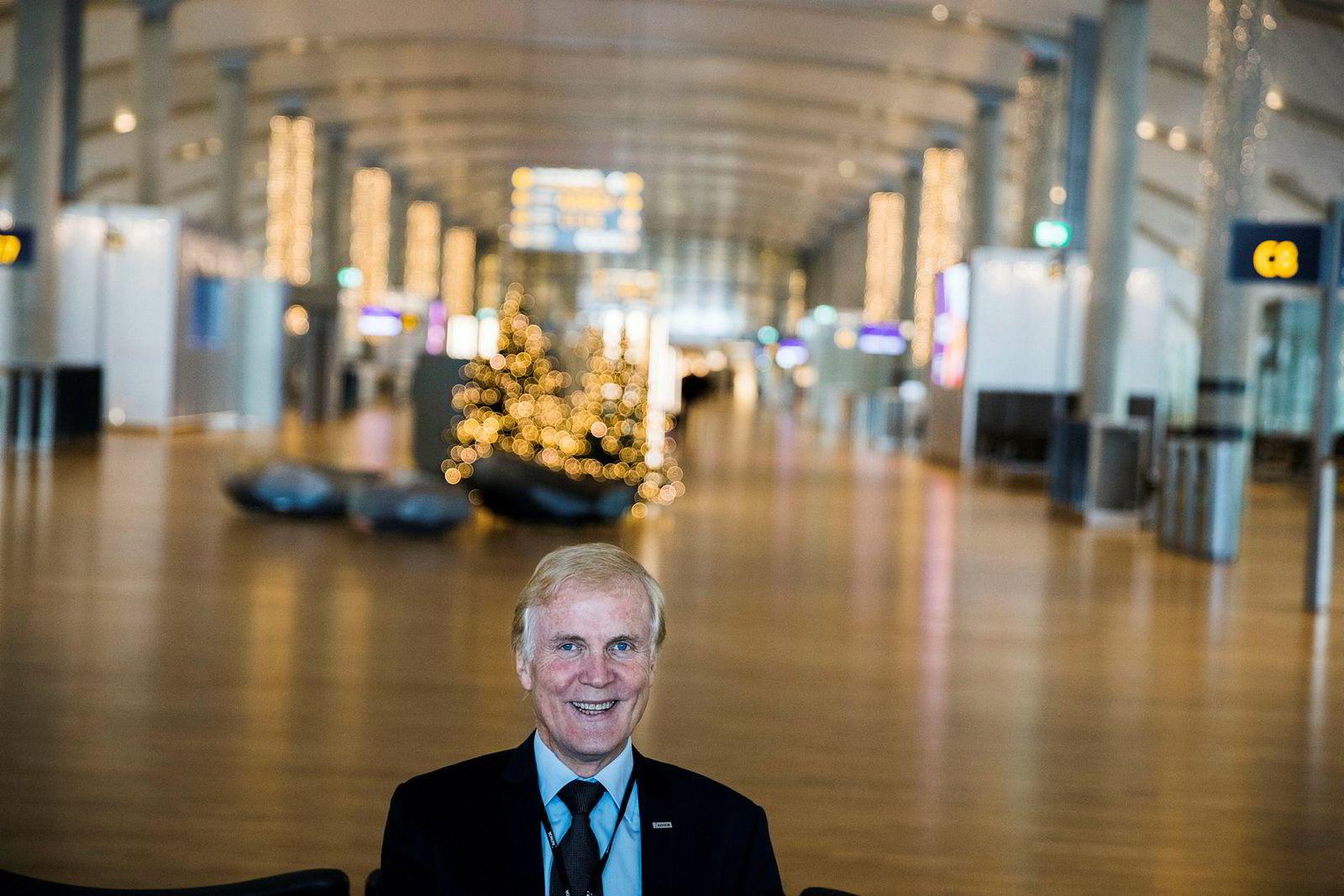 Avinor-sjef Dag Falk-Petersen venter flere langdistanseruter fra Oslo lufthavn neste år.