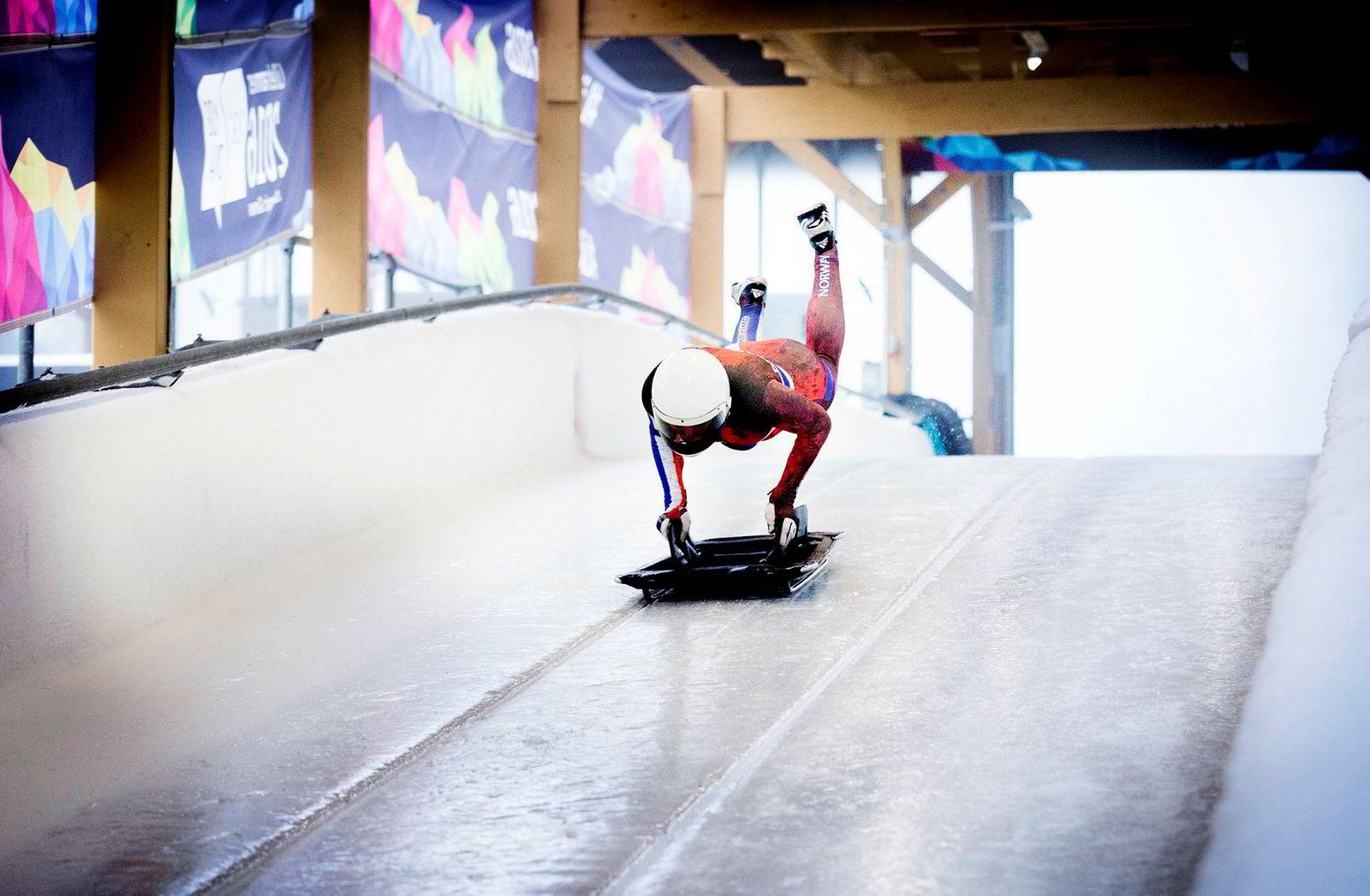 Maya Pedersen tok i 2006 OL-gull i skeleton for Sveits. Nå er målet å ta OL-gull i samme disiplin for Norge i OL i Sør-Korea. Både den gang og nå er treneren hennes Snorre Pedersen.