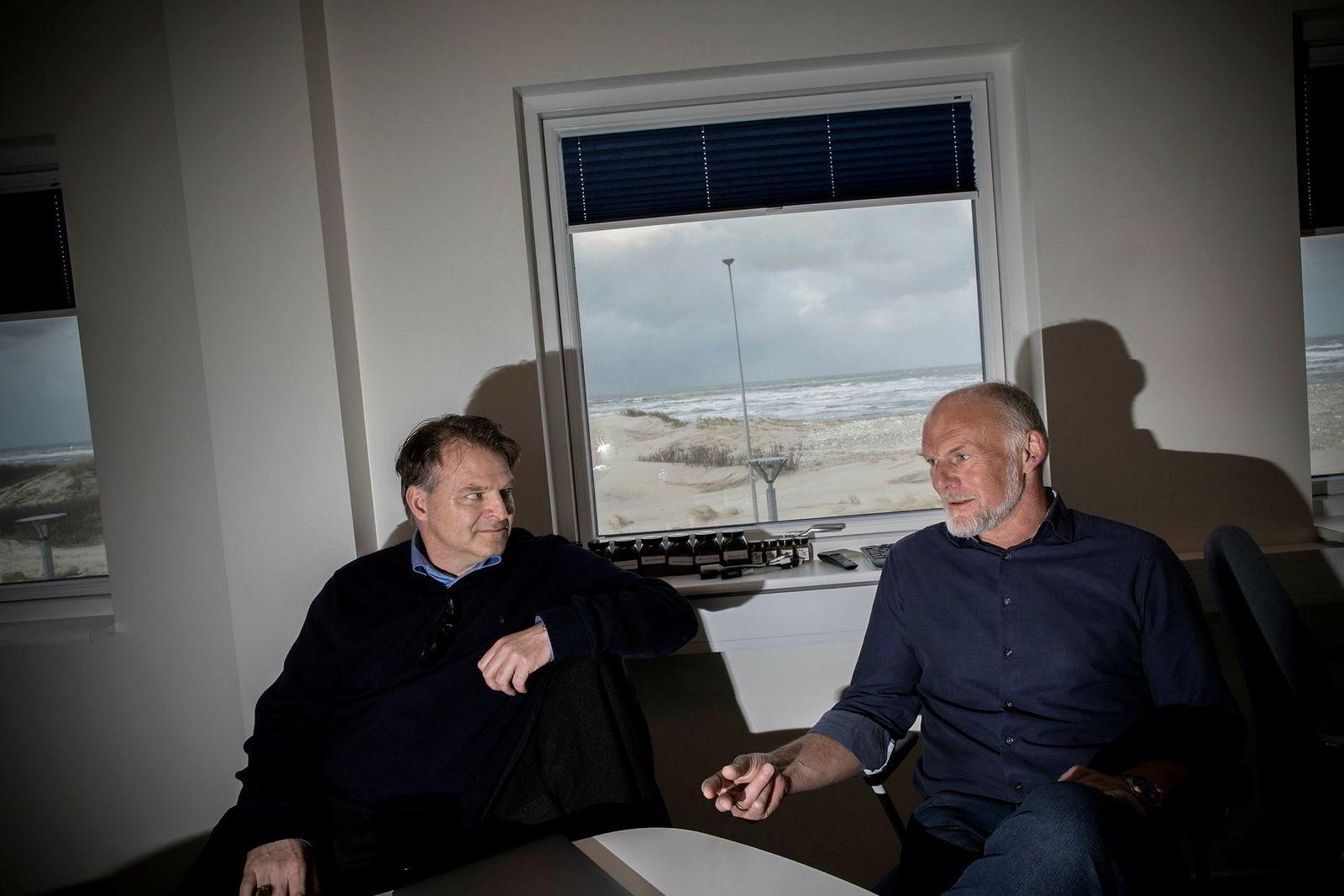 Styreleder Erik Heim (til venstre) og direktør Claus Rom i Sashimi Royal i Hanstholm.