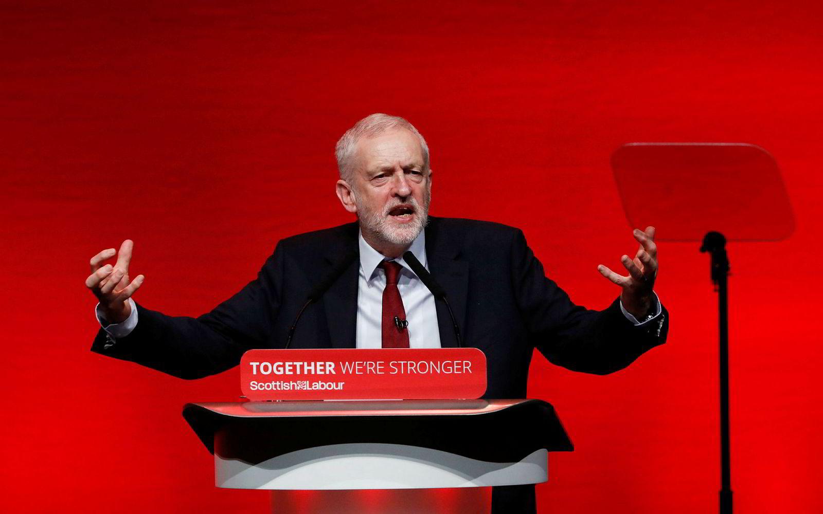 Labour-leder Jeremy Corbyn støtter nyvalget selv om valget kan bety slutten for ham som partileder.