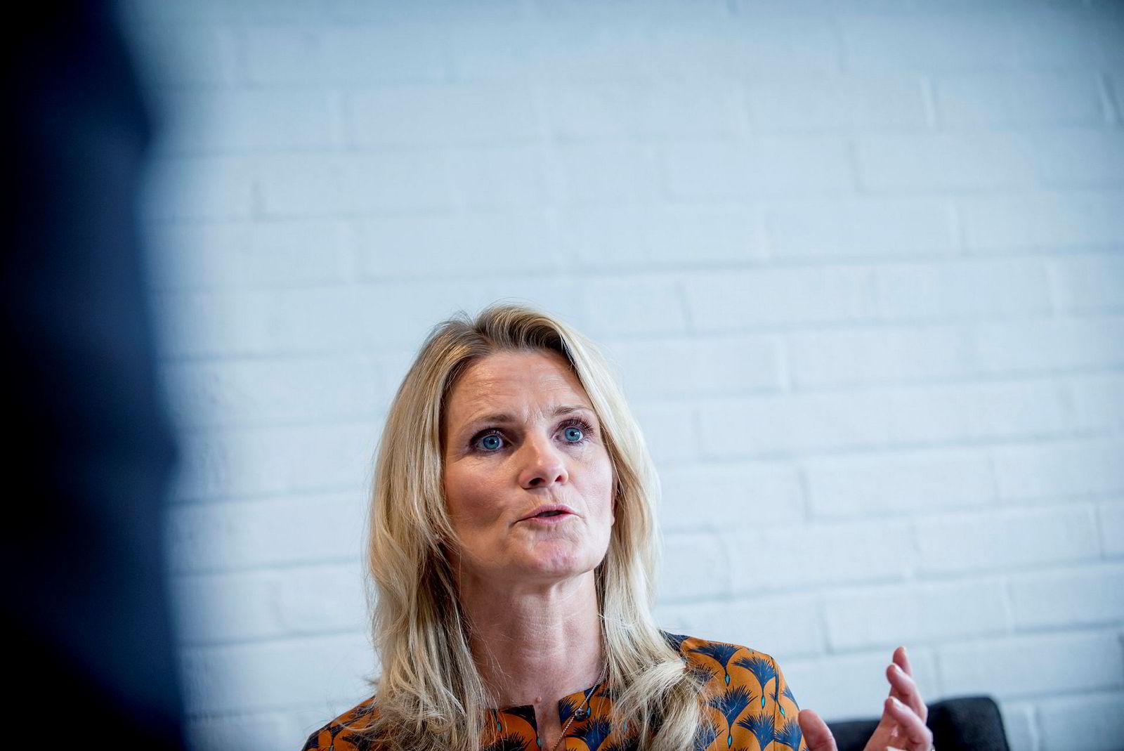 – Mannlige kolleger ofrer like mye som meg, men fordi jeg er kvinne med barn får det mer oppmerksomhet. Om ti år er kanskje ikke dette et tema engang, sier konserndirektør Ann-Beth Freuchen i Orkla.