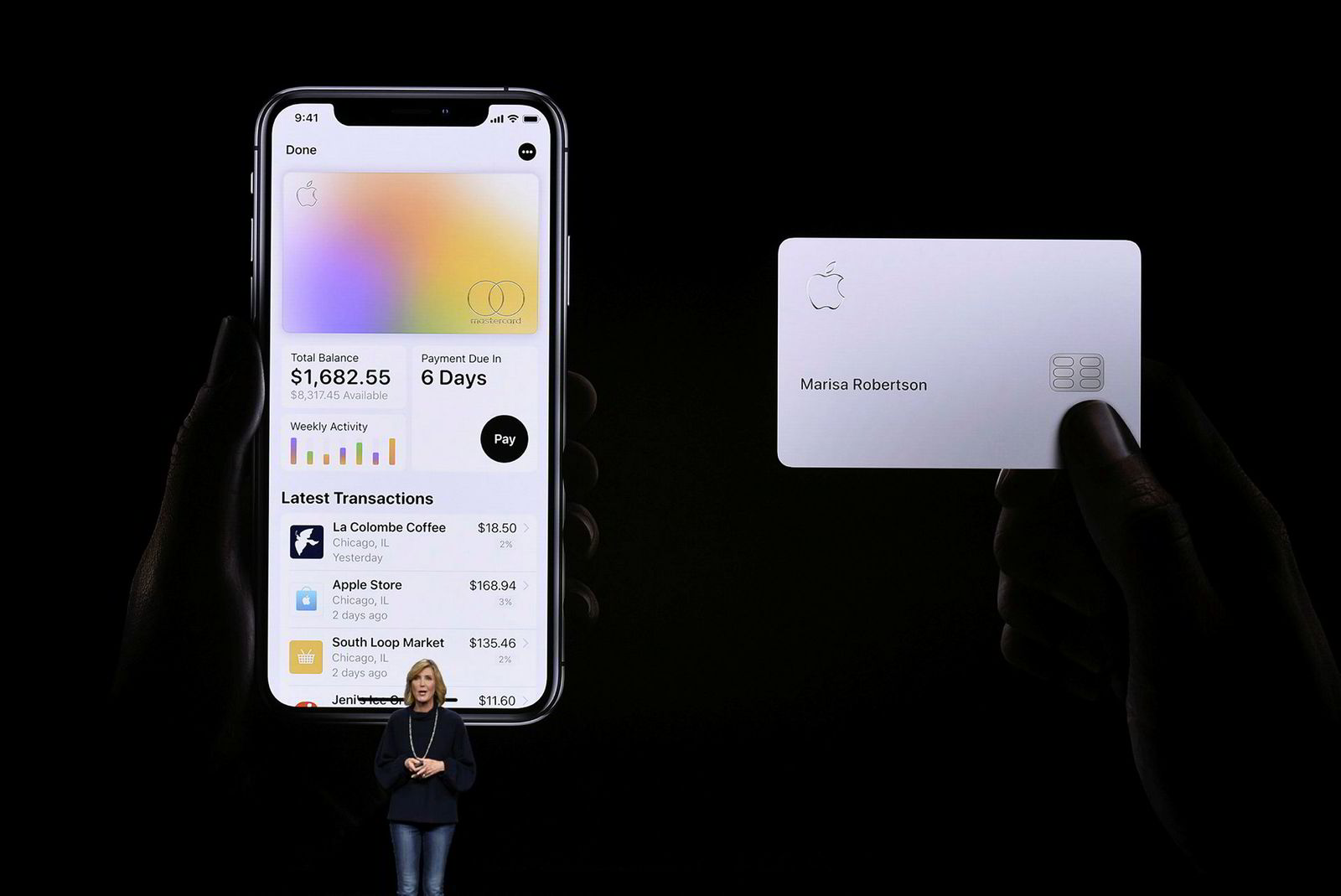 Jennifer Bailey, leder for Apple Pay,viser frem den nye Apple Card-appen og kortet man kan få om man er av den konservative typen.