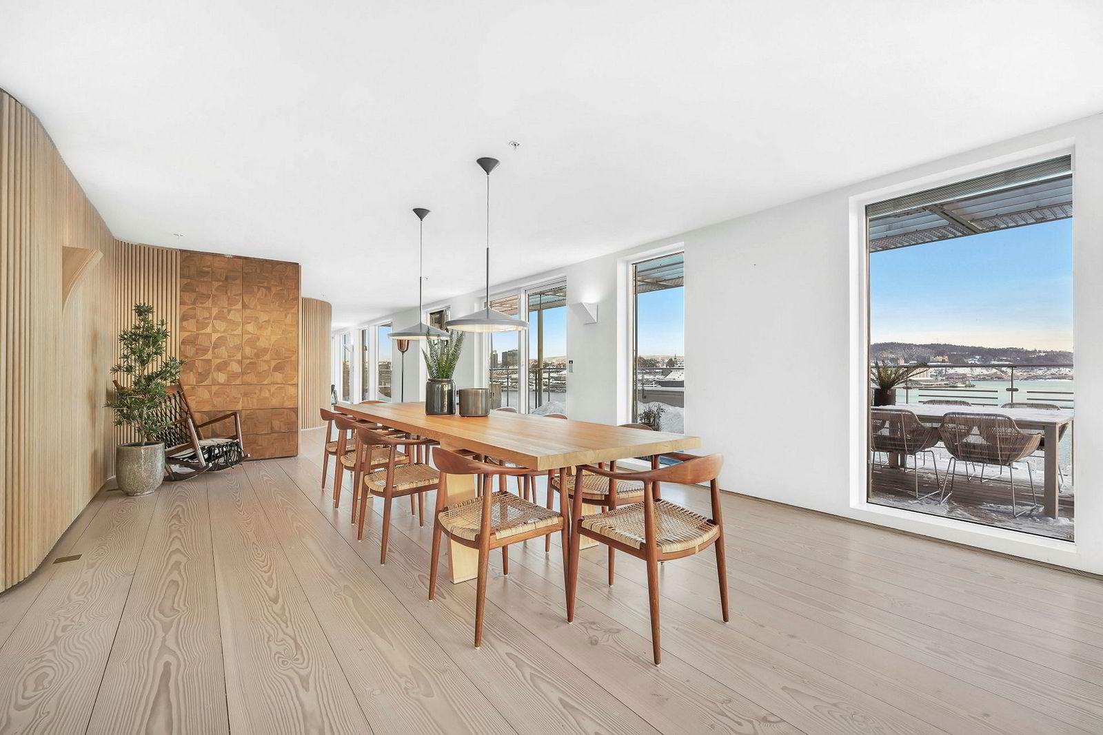 Penthouseleiligheten består av to leiligheter som Einar Aas har slått sammen.