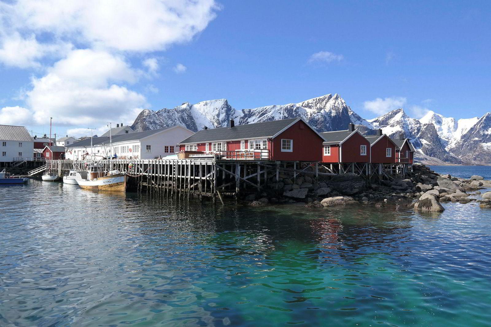 Rorbuanlegget Eliassen Rorbuer ved Reine sør i Lofoten.