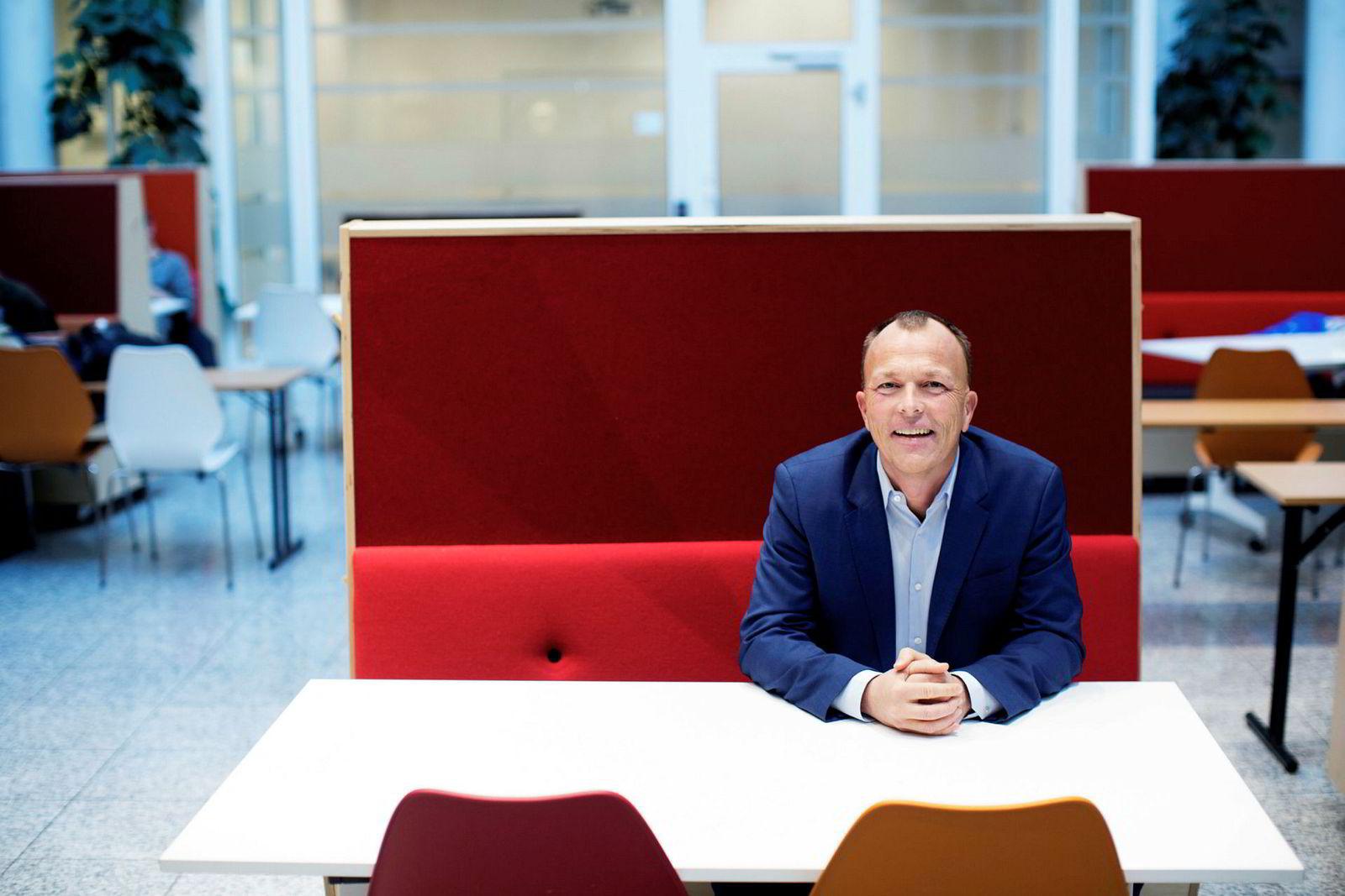 – Etterspørselen etter digitaliseringsforedrag har økt veldig i det siste, sier Nils Apeland.