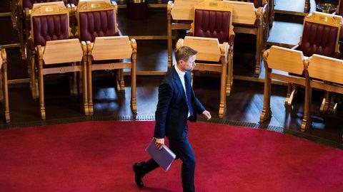Helseminister Bent Høie stiller i Stortingets spørretime onsdag og må svare på spørsmål om situasjonen rundt luftambulansen i Nord-Norge.