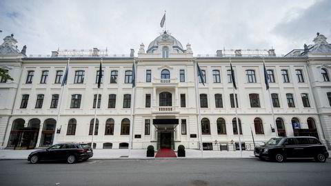 Mens andre byhoteller sliter tungt, setter Odd Reitans Britannia Hotell i Trondheim stadig nye rekorder.