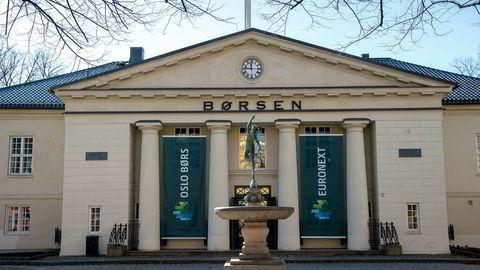 Hovedindeksen på Oslo Børs har sakte men sikkert klatrer et stykke fra bunnoteringen i midten av mars