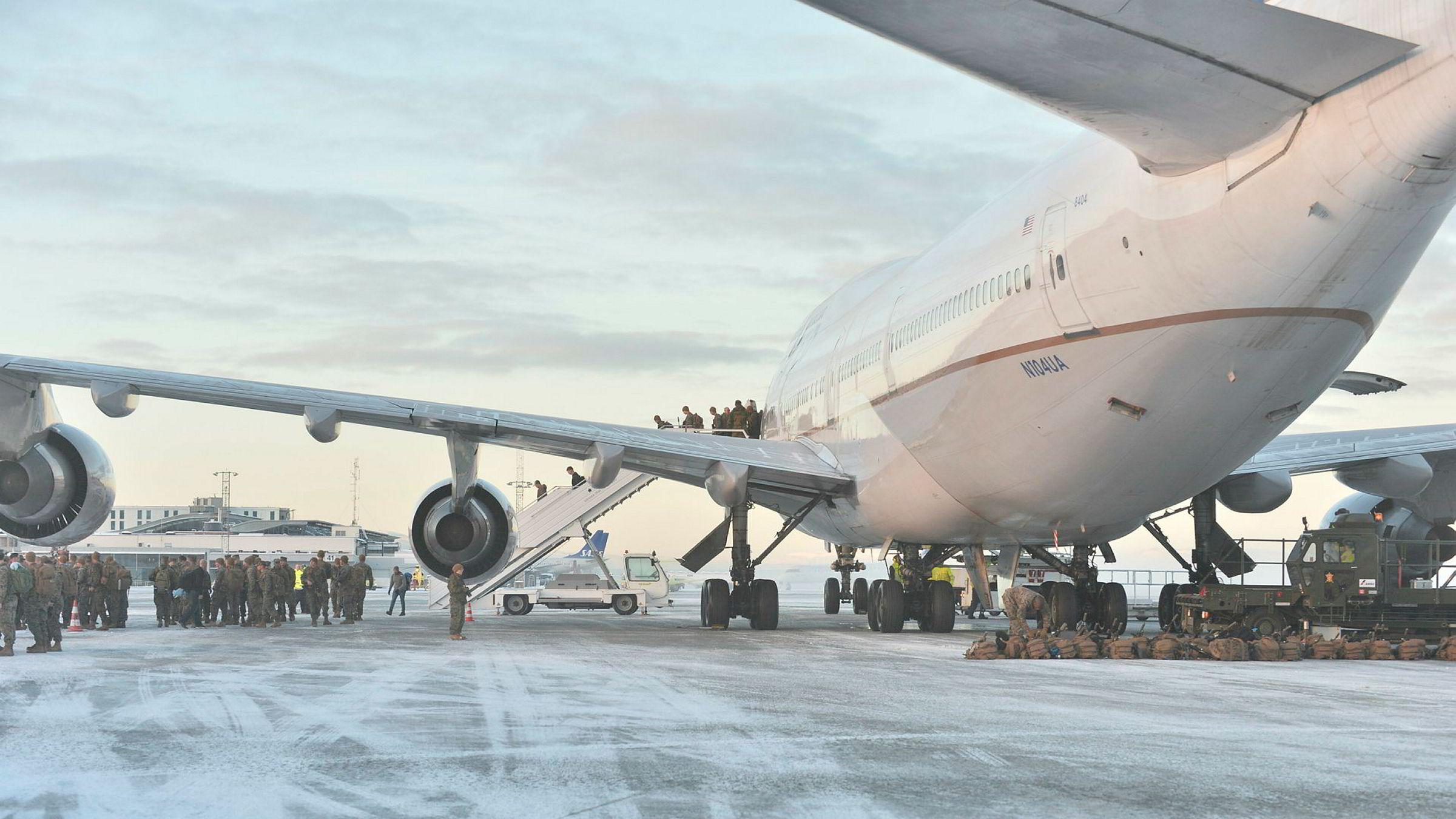 Et Boeing 747-fly fra United Airlines som i januar 2017 transporterte amerikanske soldater til Værnes.