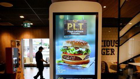 Salget av plantebaserte burgere til værs i USA og Canada. Sistnevnte er første land som tilbyr vegetarburger fra Beyond Meat hos McDonald's.