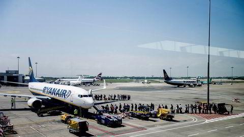 Ryanair opererer for tiden med en kapasitet på 40 prosent, skriver Børsen.