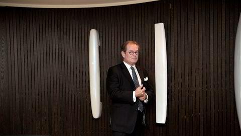 Konsernsjef Knut Brundtland i ABG Sundal Collier håper kvinner selv kan komme med gode ideer om hvordan man skal få flere kvinner til å jobbe med finans. Pengene skal han og ABG bidra med.