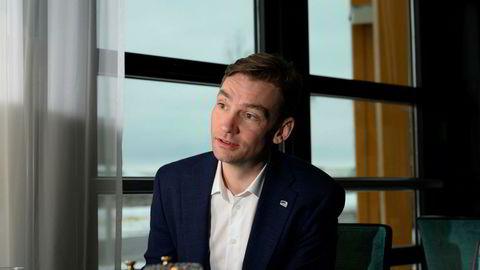 Henrik Asheim er forsknings- og høyere utdanningsminister. Han forklarer de høye søkertallene med koronakrisen.