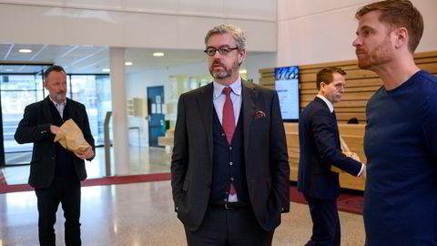 Konkursteamet i advokatfirmaet Ro Sommernes rykket i 1030-tiden mandag inn i Gresvigs hovedkontor på Helsfyr. Her er Gresvig-sjef Lars Kristian Lindberg (til høyre) sammen med revisor Per Ødegaard (fra venstre), bostyrer Harald Wiker og advokat Erik Sandtrø.