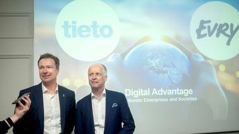 I juni presenterte Evry-sjef Per Hove (til venstre) og Tieto-sjef Kimmo Alkio fusjonsavtalen de to selskapene er blitt enig om.