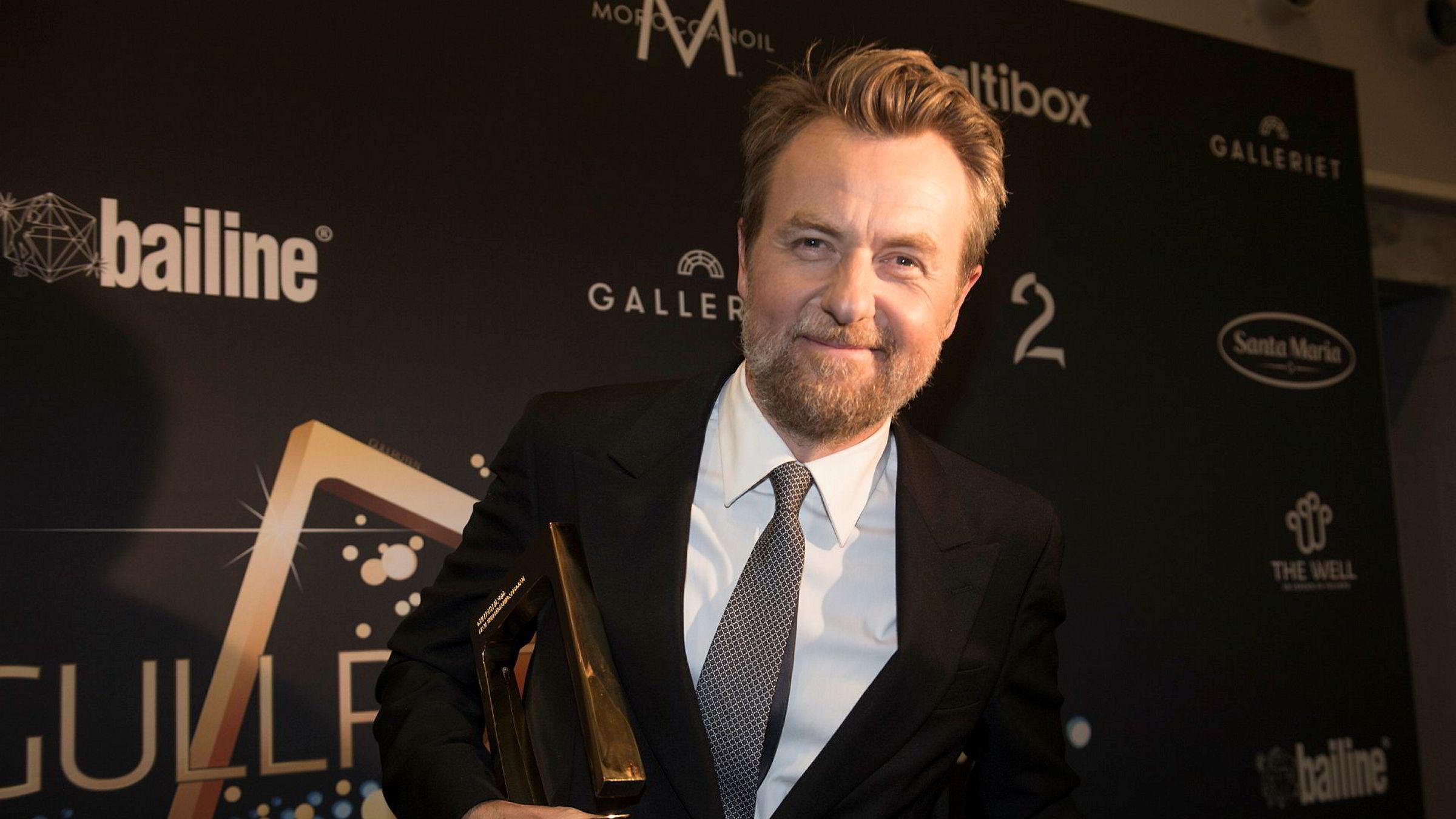 Fredrik Skavlan eier 75 prosent av aksjene av Monkberry as.