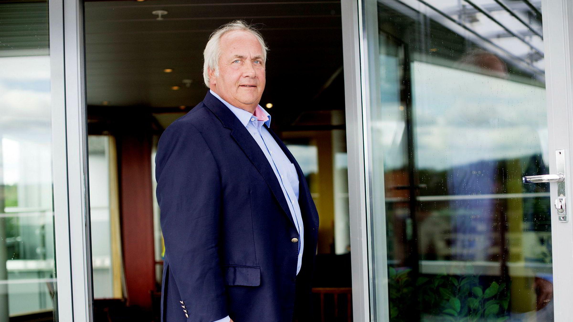 Torstein Tvenge har solgt ytterligere 300.000 aksjer i Bank Norwegians eierselskap.