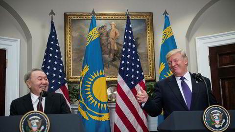 Det var god stemning da USAs president Donald Trump tirsdag tok i mot sin kollega fra Kasakhstan, Nursultan Nazarbajev, i Det hvite hus.