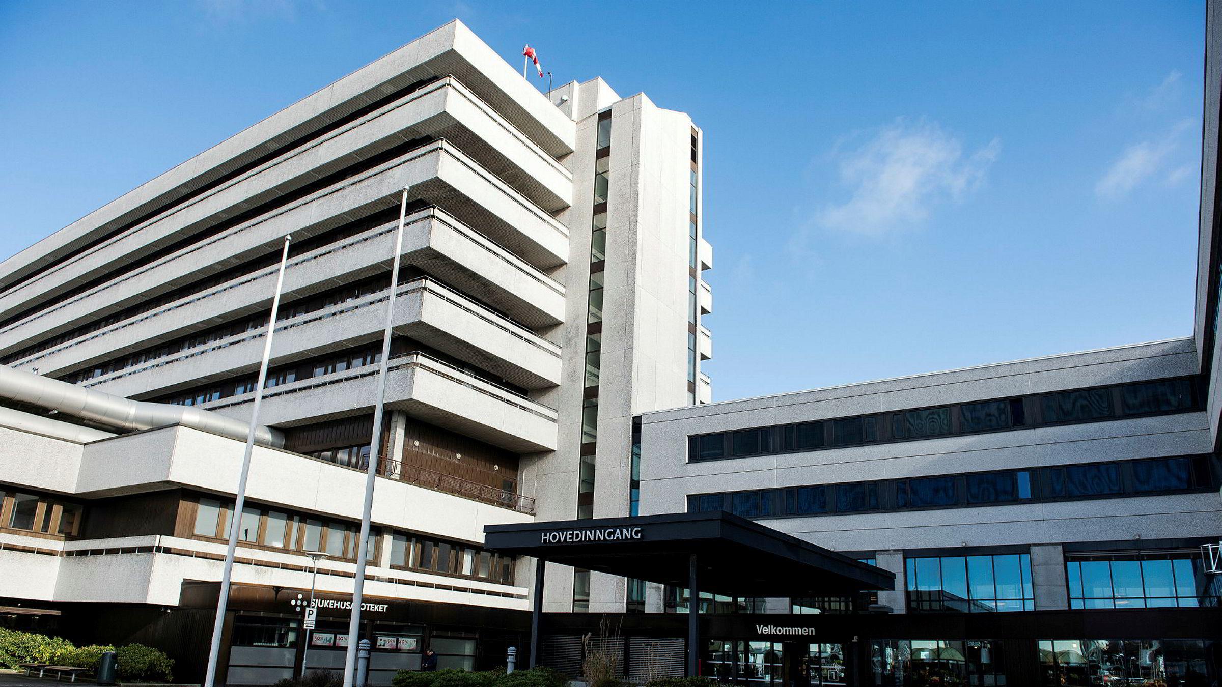 En undersøkelse viser at de store og mellomstore kommunene i Rogaland hadde større utfordringer enn de små både når det gjaldt kapasitet og kompetanse på flere viktige tjenesteområder. Her sykehuset i Stavanger.