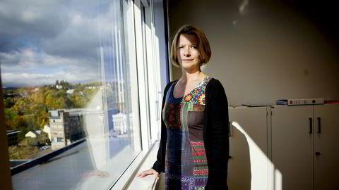 Forbrukerpolitisk direktør Gry Nergård i Finans Norge sier det er et nytt oppsving i nordmenns kredittkortbruk under koronakrisen. Hun ber myndighetene hjelpe med flest mulig tiltak for dem som allerede har usikret kredittgjeld.