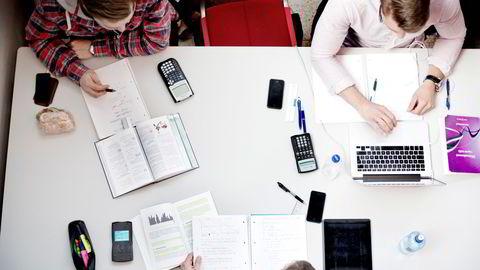 Mange studenter gikk inn i sin første eksamensperiode, men virket likevel ikke å være de som var dårligst forberedt, skriver innleggsforfatterne.