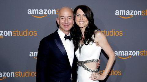 Skilles. Nylig ble det kjent at Amazon-gründeren Jeff Bezos skiller seg fra kona, MacKenzie Bezos. Hun er forfatter og har vært sentral i oppbyggingen av nettbokhandelen.