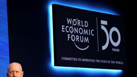 – Når jeg ser tilbake på børsnoteringer de siste fire årene har prestasjonene til selskaper hvor det har vært en kvinne i styret i USA vært betydelig bedre enn prestasjonene til selskapene hvor det ikke har vært en kvinne i styret, sier Goldman Sachs-sjef David Solomon i et intervju med CNBC på toppmøtet i Davos.